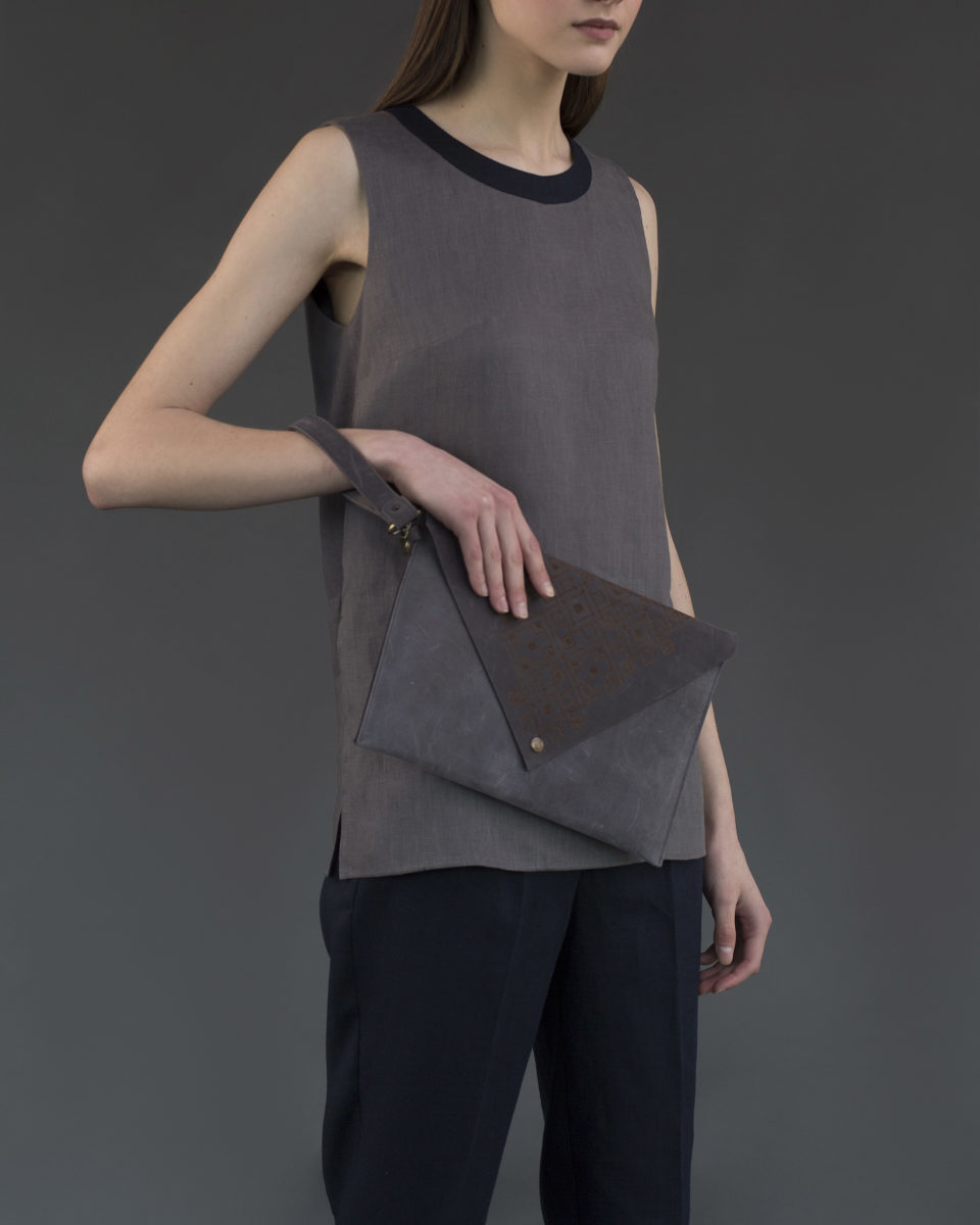 "Envelope clutch ""Geometry"" gray"
